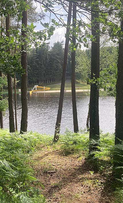 Vos vacances d'été au Domaine du lac de soursac : camping et location gîtes